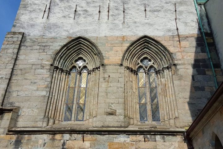 Richly framed windows in the west bay, now the tower base (photo Sandalsland)