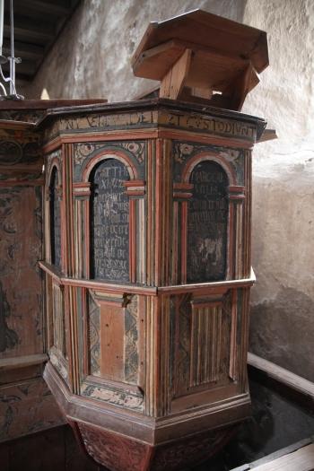 Renaissance pulpit, 1600s (photo Justin Kroesen)