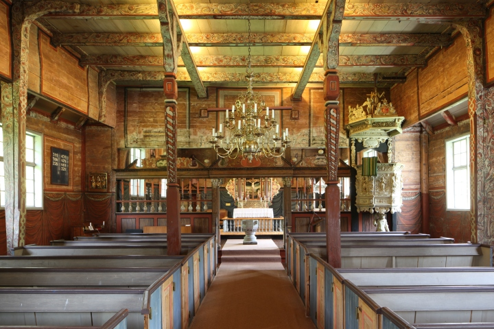 Interior of the church viewed towards the chancel (photo Justin Kroesen)