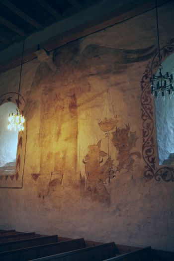 Wall painting of St Michael weighing the souls, 1200s (photo Justin Kroesen)