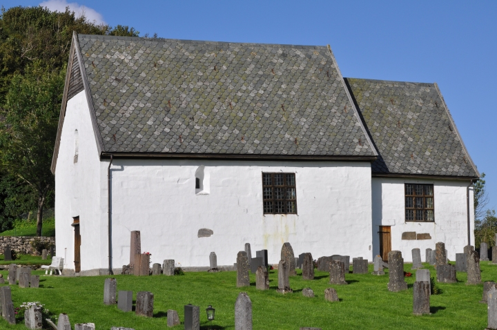 The Romanesque church building (photo Justin Kroesen)
