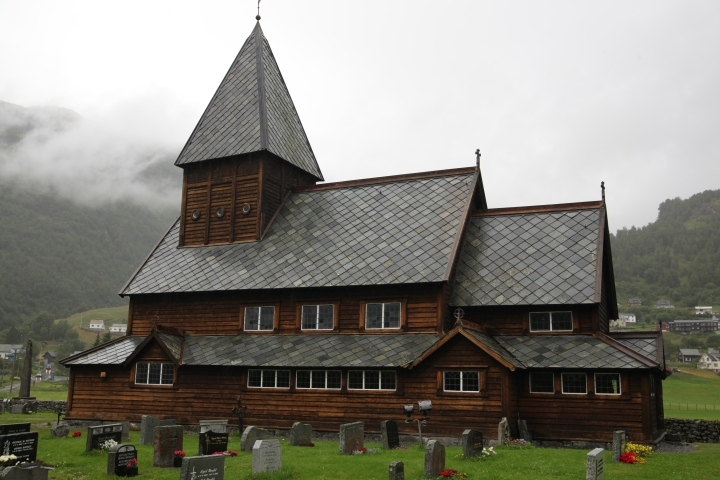 The church of Røldal in its actual state viewed from the south (photo Justin Kroesen)