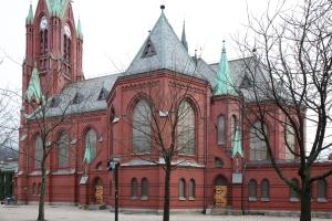 Red-brick Johanneskirken (photo Justin Kroesen)